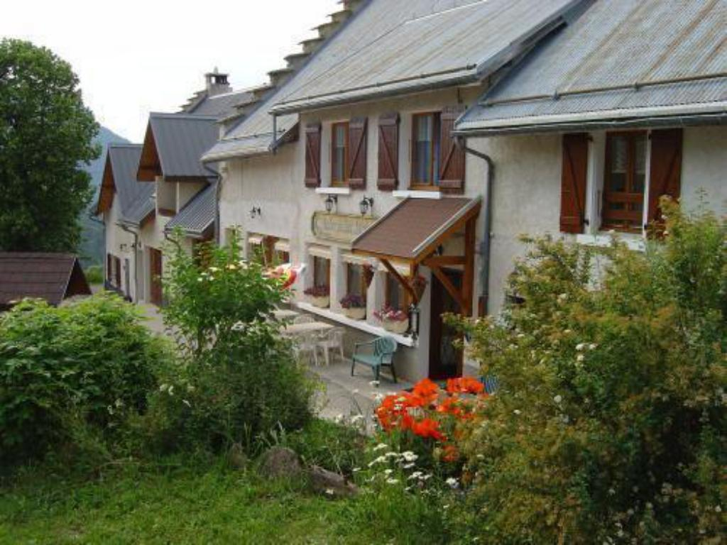 More about Logis Auberge des Montauds
