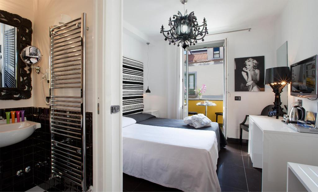 Double for Single Use - Guestroom Palazzo Abagnale l