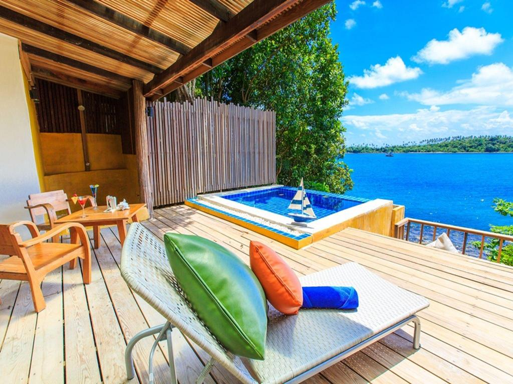 moderns mini villas numurs ar baseinu Captain Hook Resort