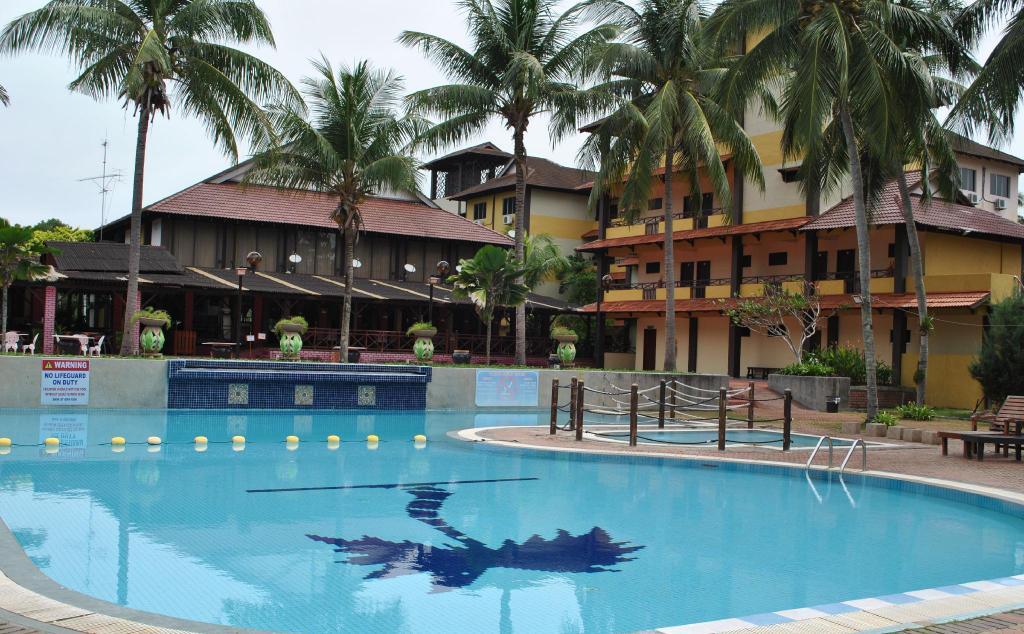 Puteri Bayu Beach Resort in Pangkor - Room Deals, Photos & Reviews