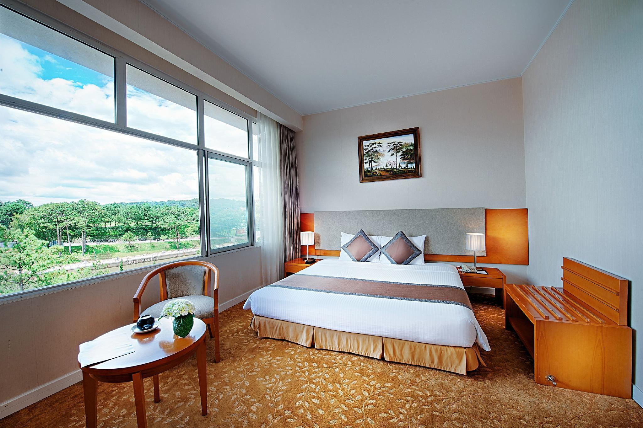 Tiện nghi phòng khách sạn Mường Thanh Holiday Đà Lạt