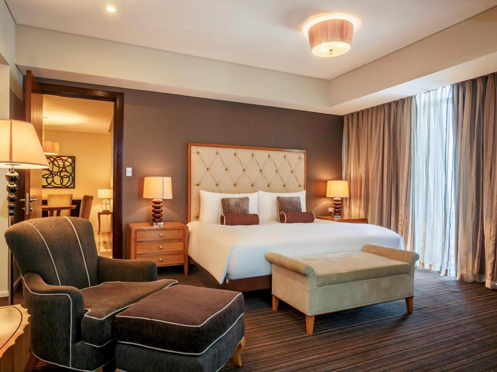 Guestroom Joy Nostalg Hotel & Suites Managed by Accorhotels