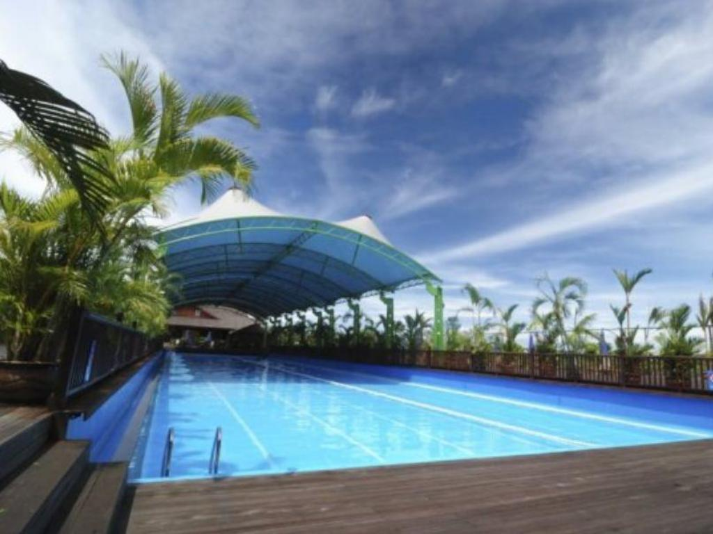 Swimming pool Eastwood Valley Golf & Country Club