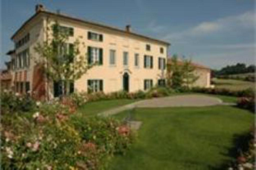 Spinerola Hotel in Cascina & Restaurant UvaSpina