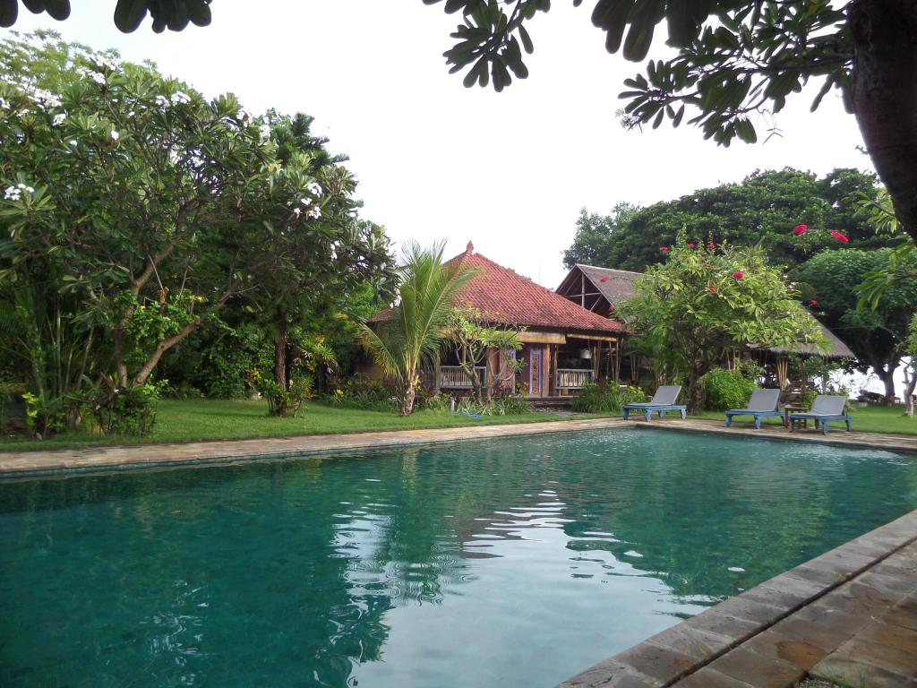 Taman selini beach bungalows hotel in bali room deals - Bungalows with swimming pool in sri lanka ...