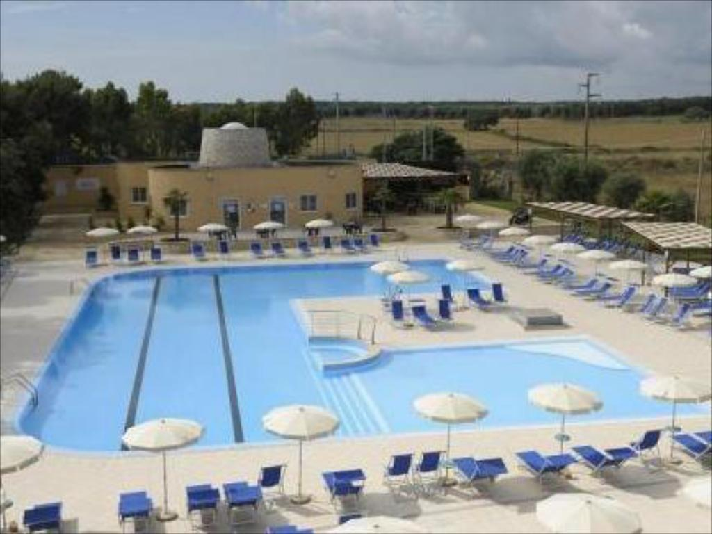 Piscina Dolmen Sport Resort
