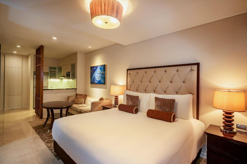 1 King Bed Executive - Bed Joy Nostalg Hotel & Suites Managed by Accorhotels