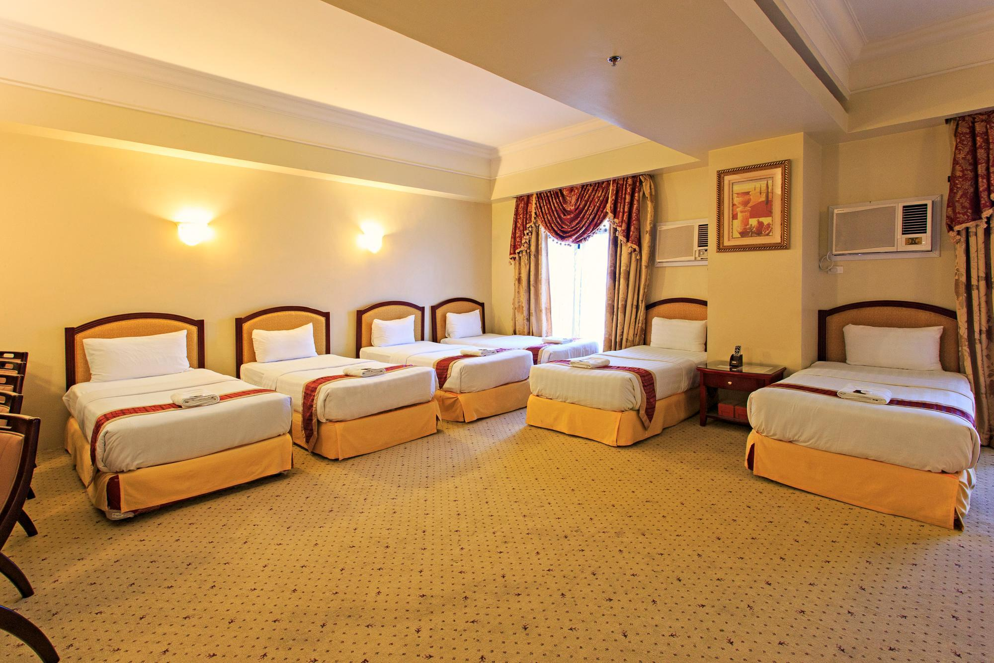 Grand Family Suite (7 pax)