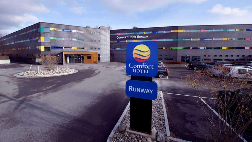 More about Comfort Hotel RunWay