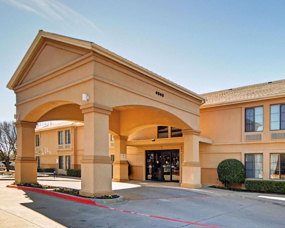 Quality Inn & Suites DFW Airport South Hotel (Dallas (TX