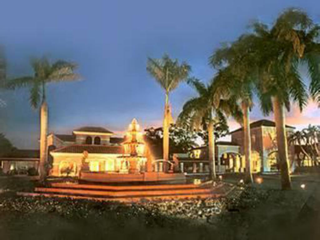 Exterior view Grand Palms Spa & Golf Resort