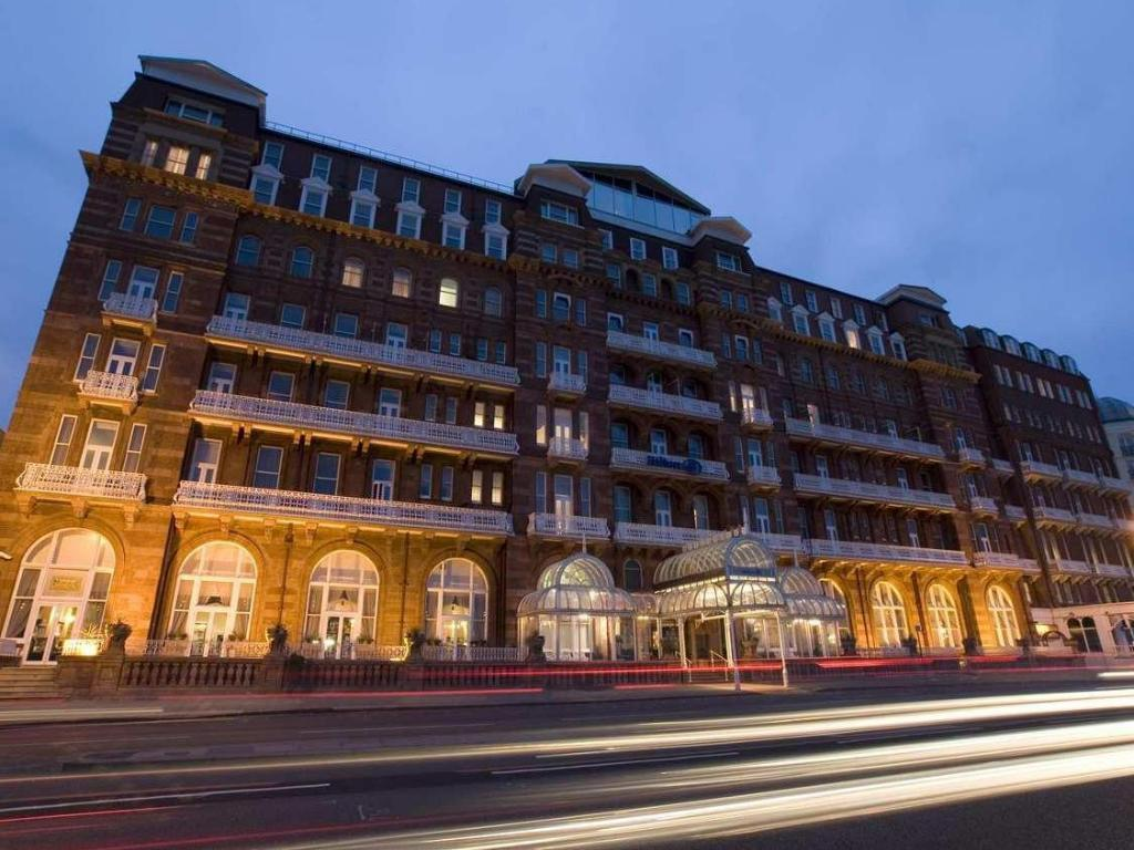 hilton brighton metropole hotel in brighton and hove. Black Bedroom Furniture Sets. Home Design Ideas