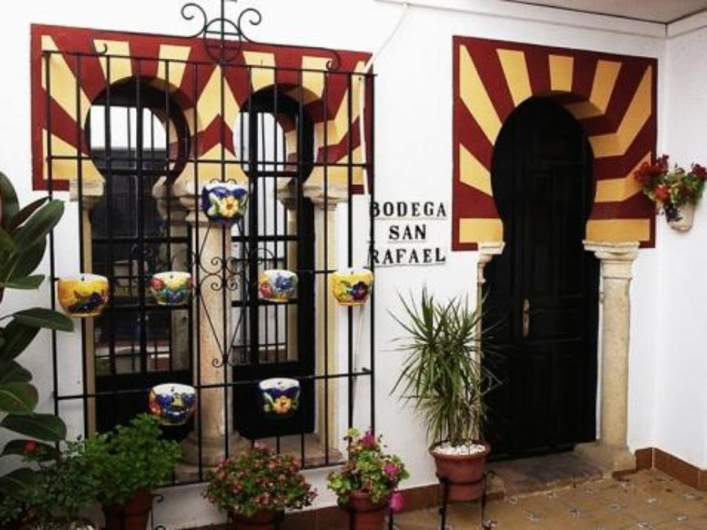 Exterior view Hostal Bellido
