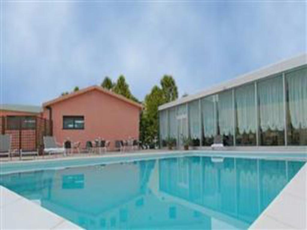 Swimming pool Hotel Concorde