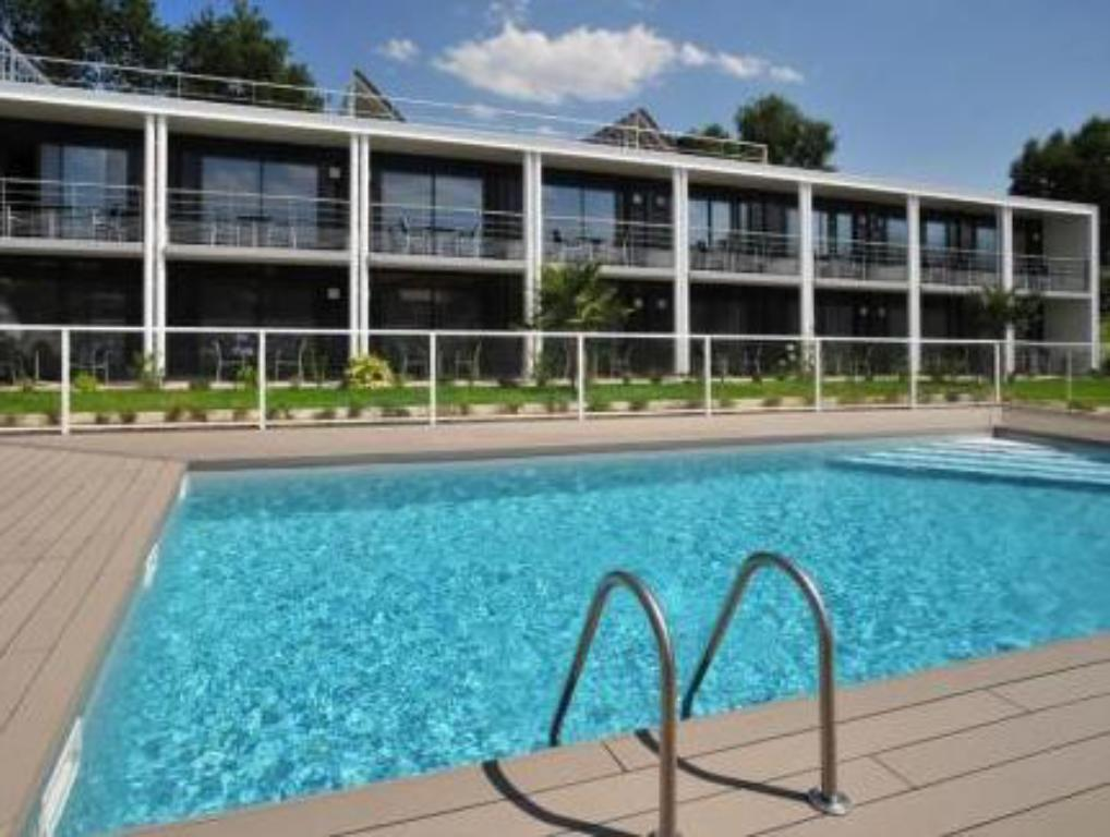 Swimming pool Hotel Eden Park Pau - Bizanos