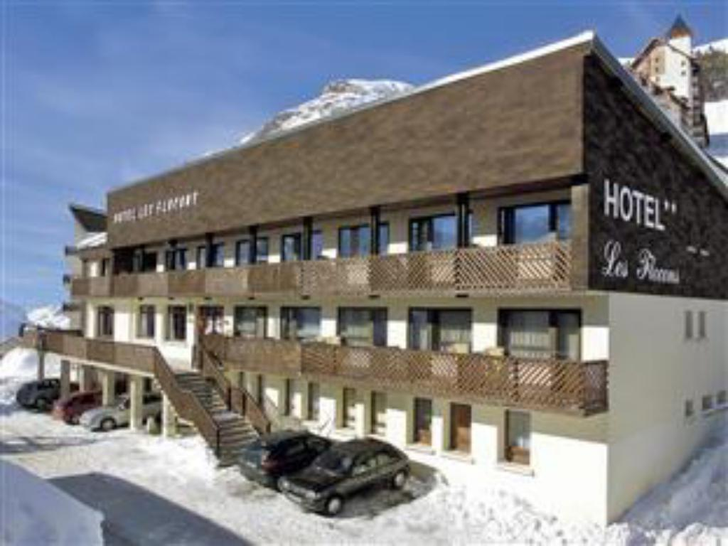 More about Hotel Les Flocons