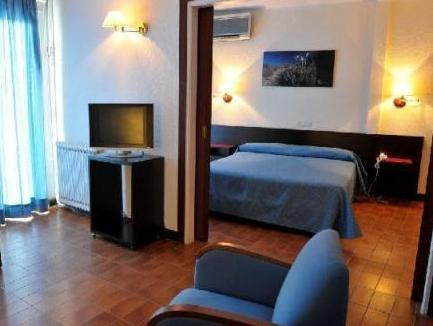 Dvojlůžkový pokoj se salonkem (Double Room with Lounge)