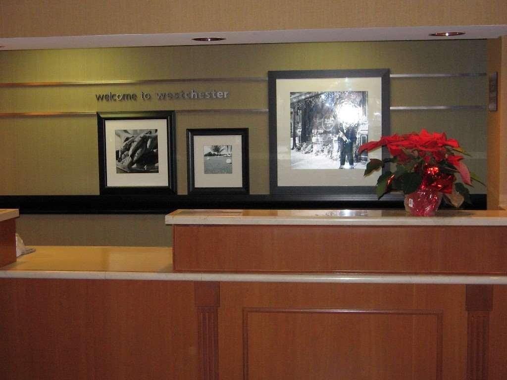 Lobby Four Points by Sheraton Chicago Westchester/Oak Brook