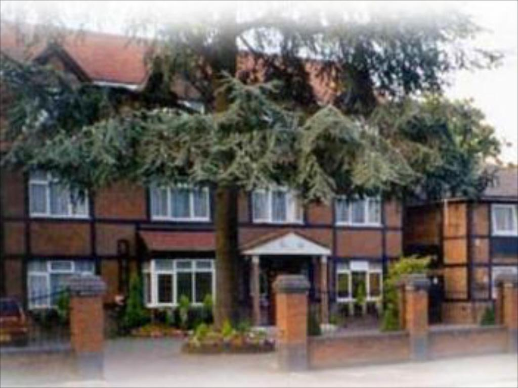 More about Kings Paget Hotel