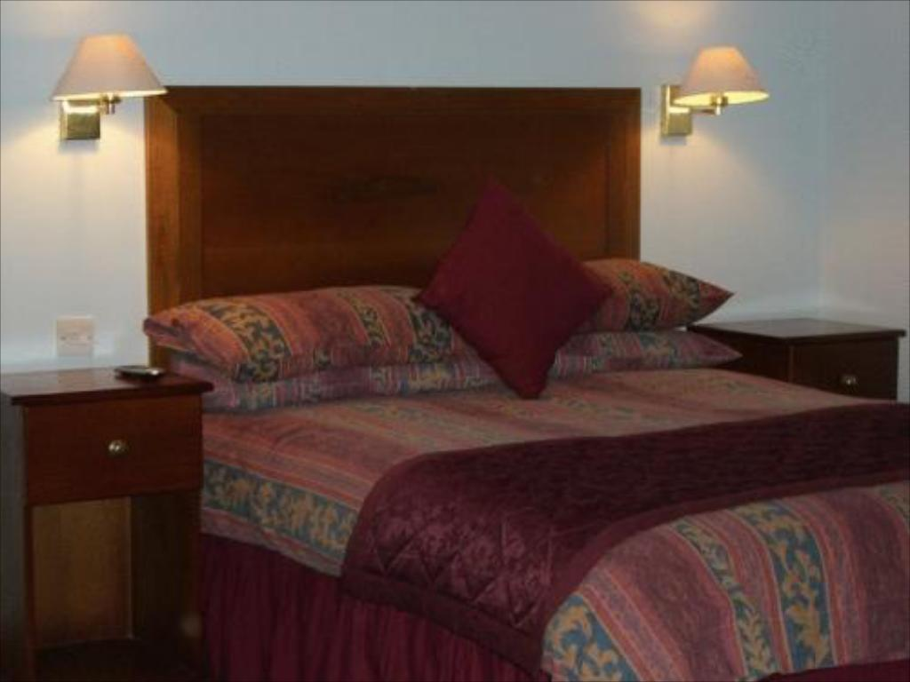 Standard Double/Twin Room - Bed Kings Paget Hotel
