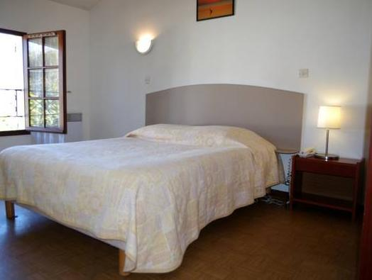 Quarto Individual (Single Room)