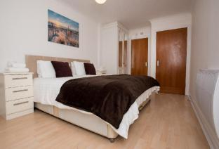Celador Apartments - Riverside House Serviced Apartments