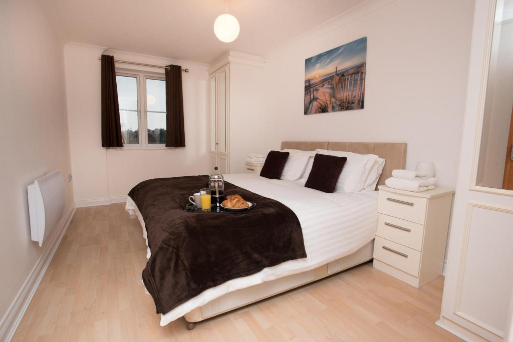 Celador Apartments - Riverside House Serviced Apartments in ...