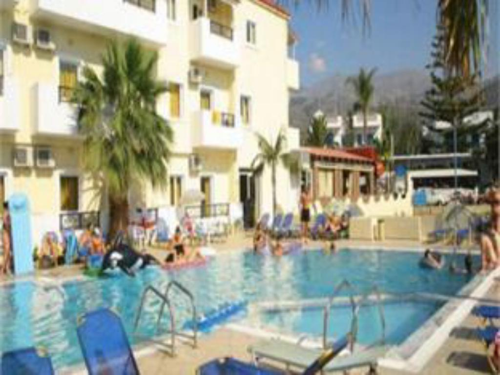 Swimming pool Philoxenia Hotel Apartments