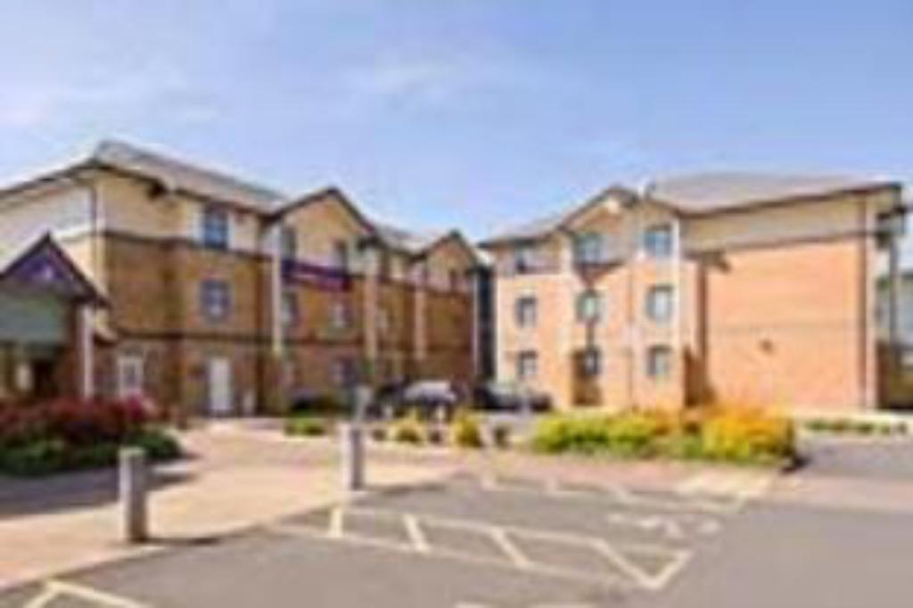 Premier Inn Wolverhampton - North