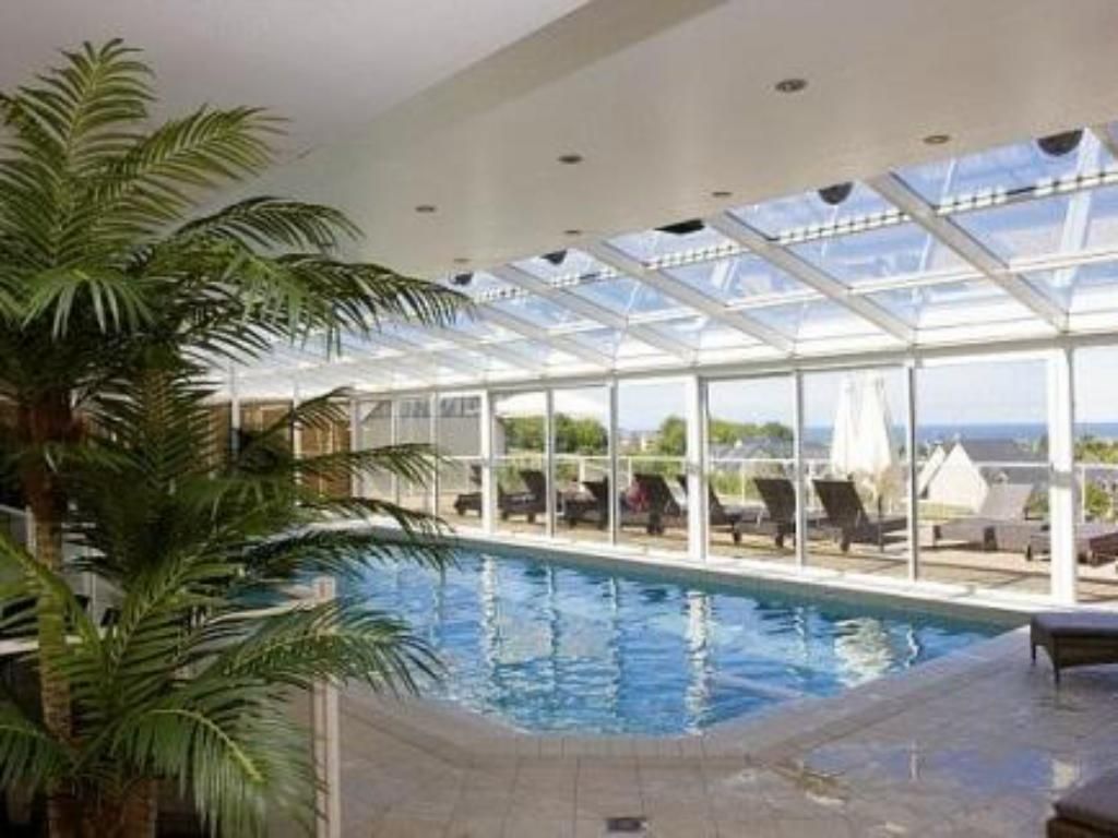 Swimming pool Pierre & Vacances Premium Residence & Spa Houlgate