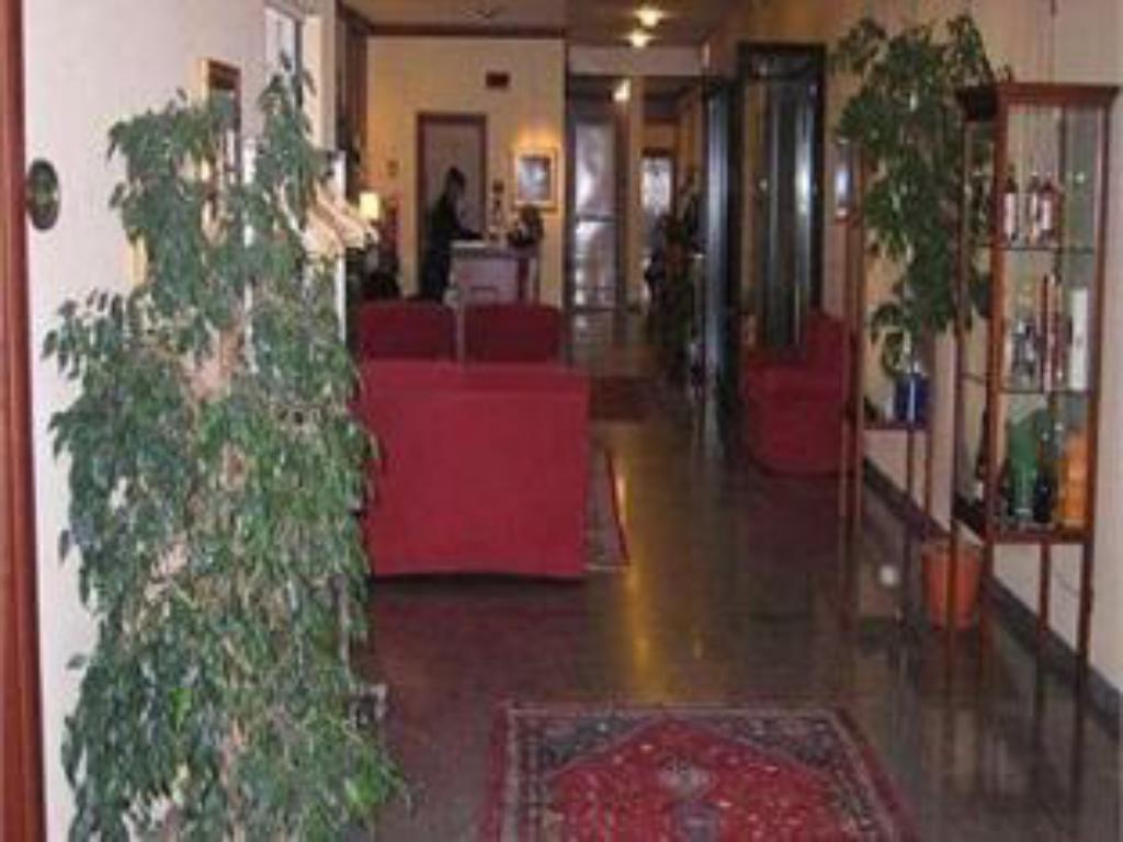 Lobby Scia' On Martin Hotel Restaurant