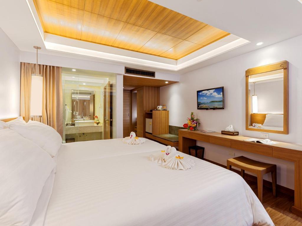Beyond Deluxe Double or Twin Room with Sea View Beyond Resort Karon – Adults Only