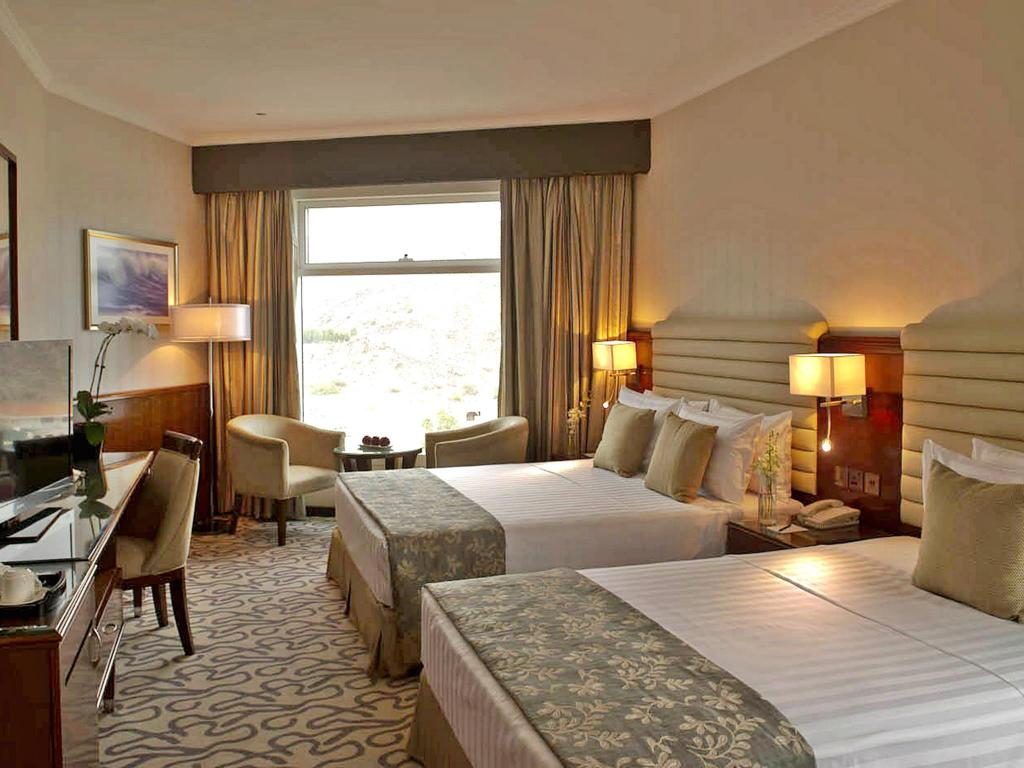 Deluxe Mountain View King Room - Guestroom Oceanic Khorfakkan Resort & Spa