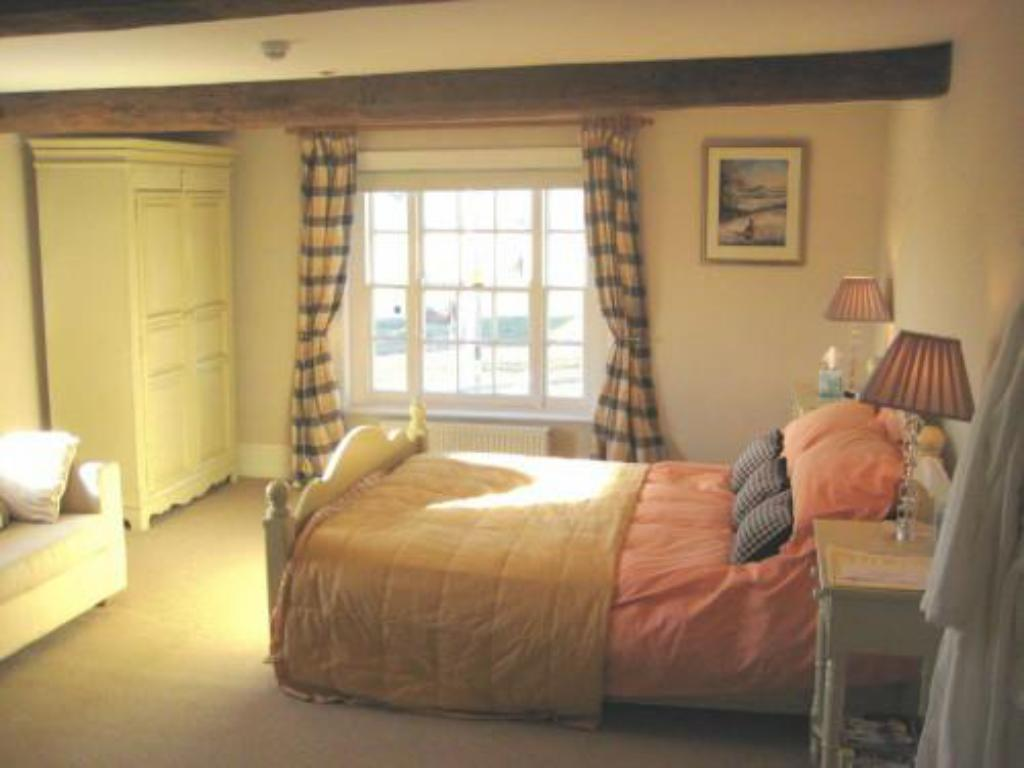 King Room - Double - Guestroom The Royal Oak Hotel