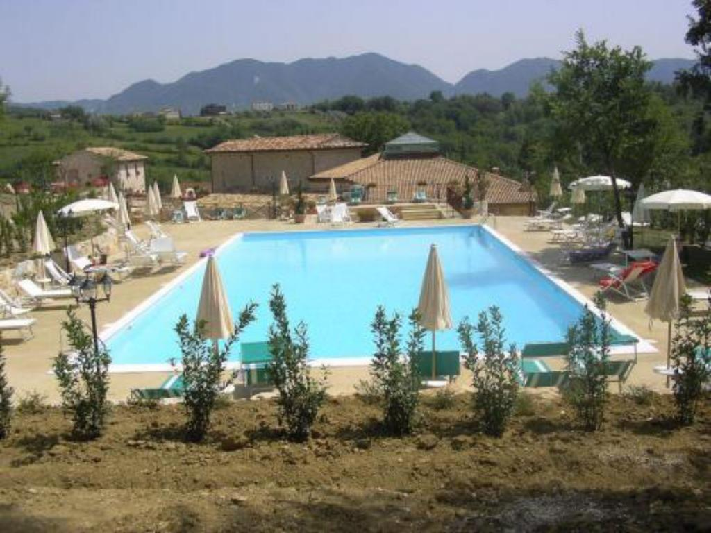 Piscina Valle Dell'Aquila Country House