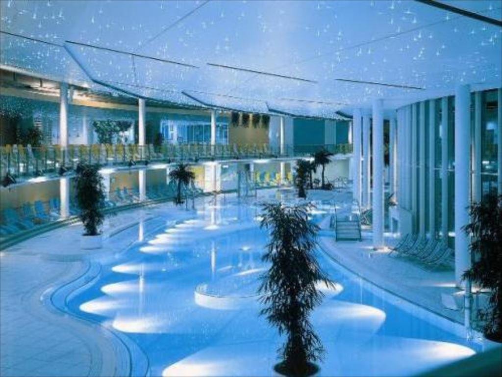 Swimming pool SPA Resort Therme Geinberg****s