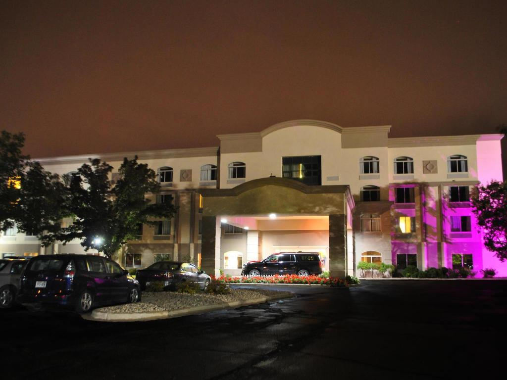 More about Magnuson Grand Hotel Madison