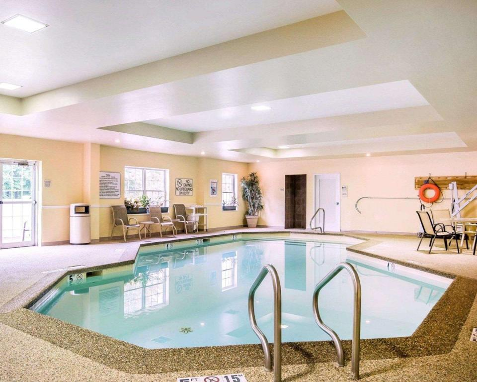 Piscina Comfort Inn and Suites Dover (Comfort Inn and Suites)