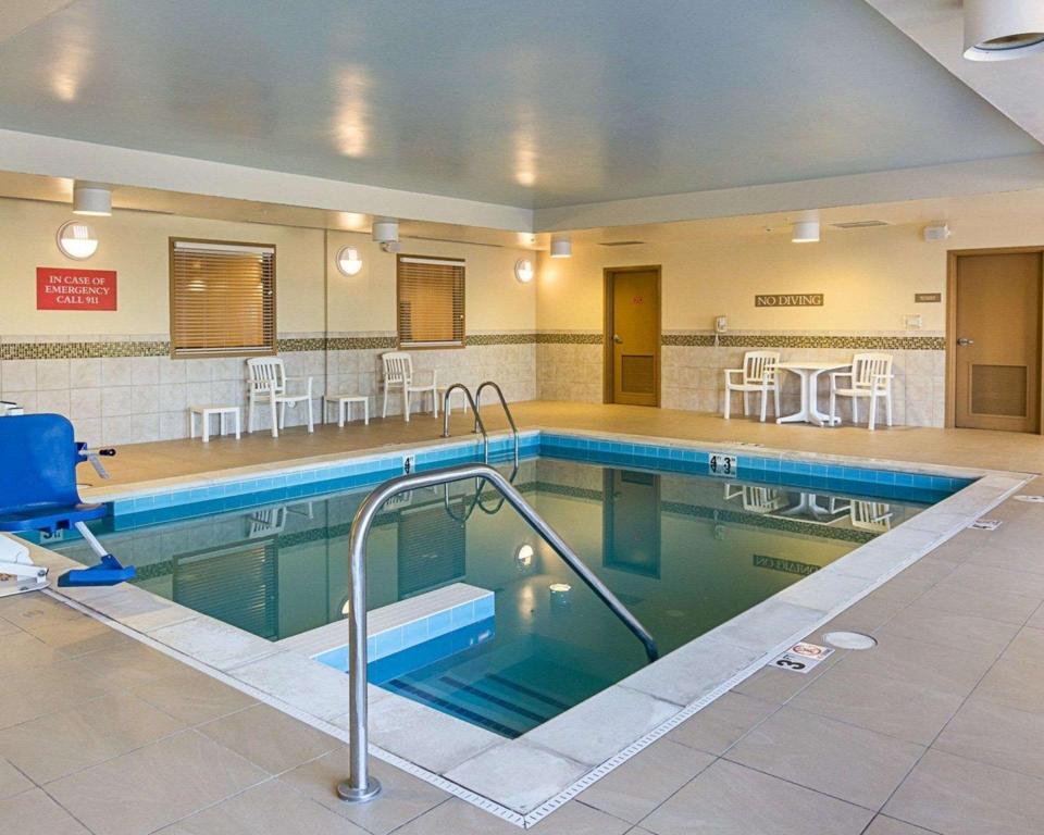 Comfort Inn And Suites Virginia Beach Norfolk Airport In