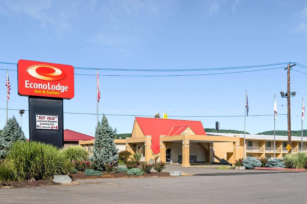 More about Econo Lodge Inn & Suites