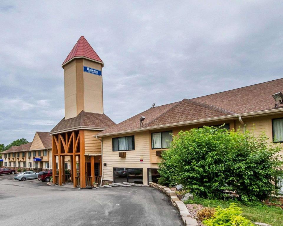 Rodeway Inn & Suites WI Madison-Northeast - Choice Hotels