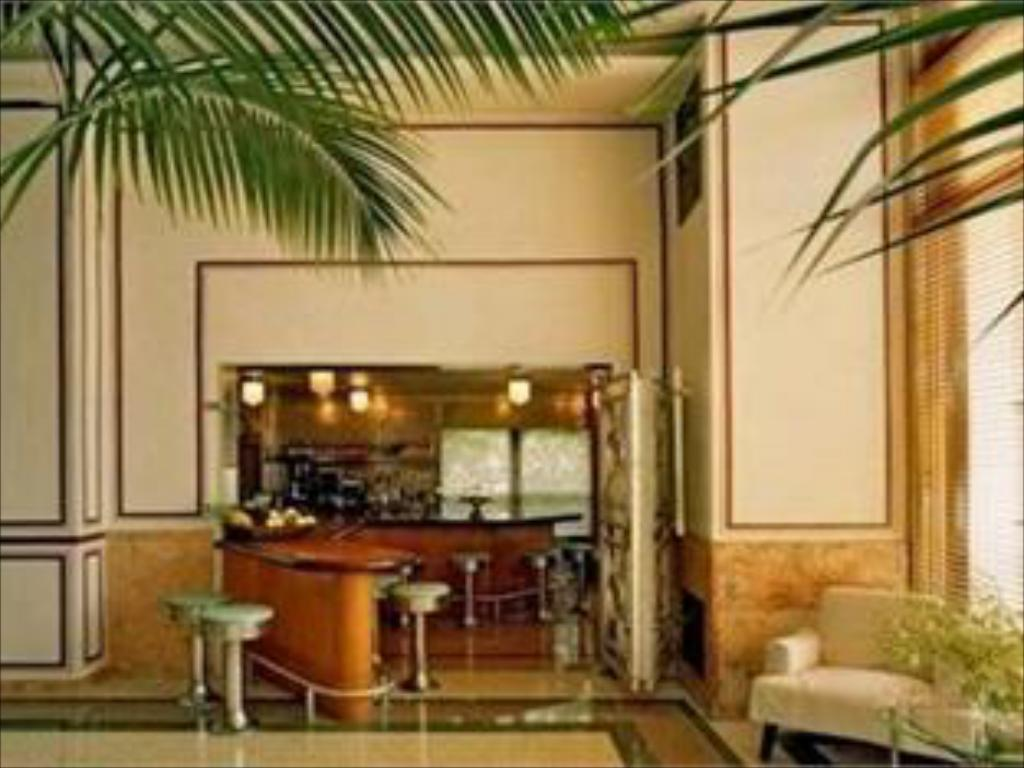 The Raleigh Hotel South Beach Miami