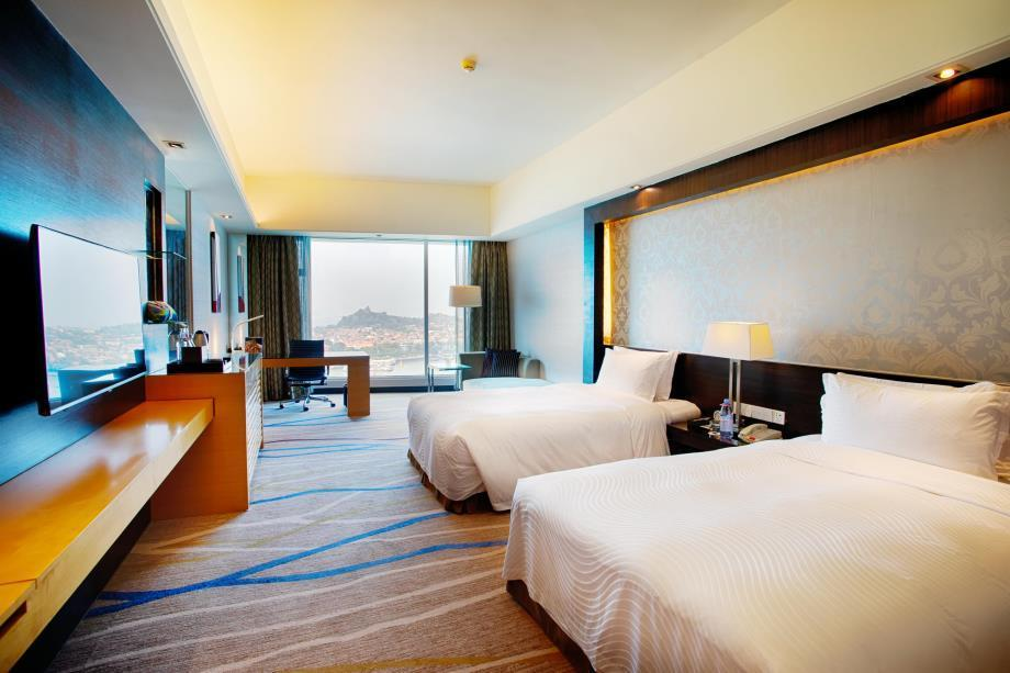 Premium Sea View Room with Twin Bed