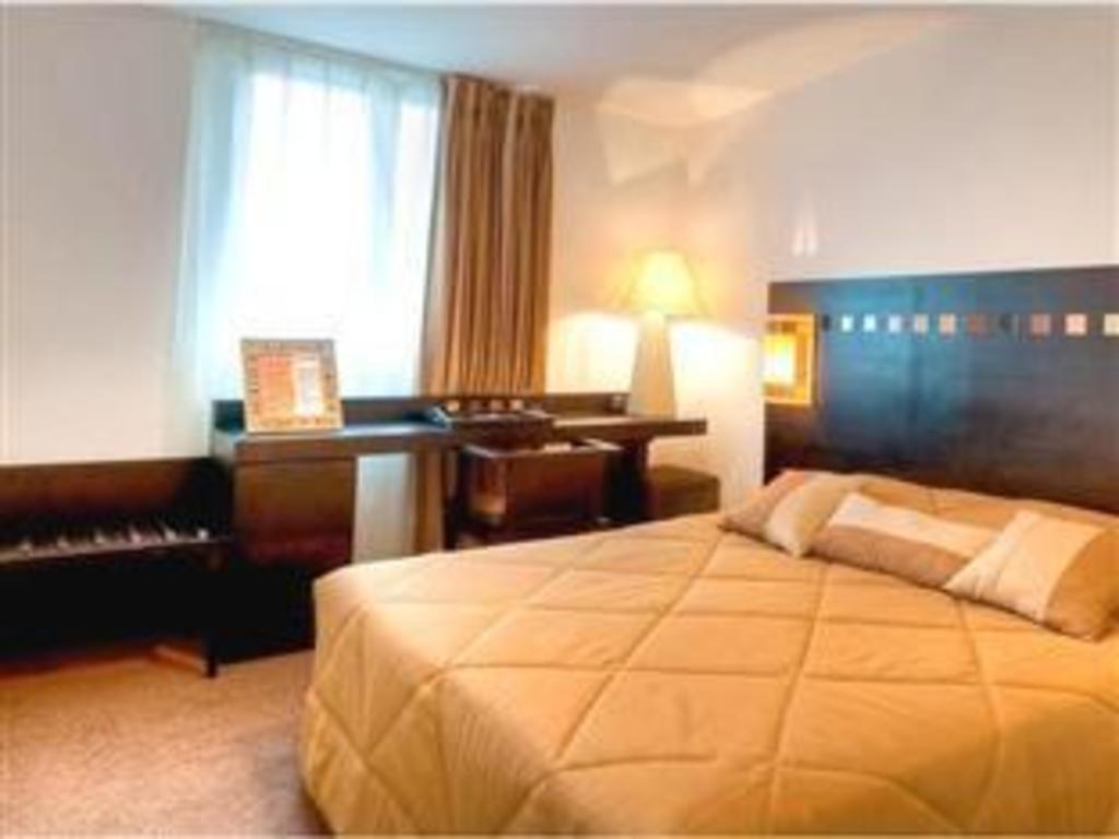 Hotel saint maur cr teil hotel saint maur creteil saint maur des foss s offres sp ciales - Chambre des metiers saint maur ...