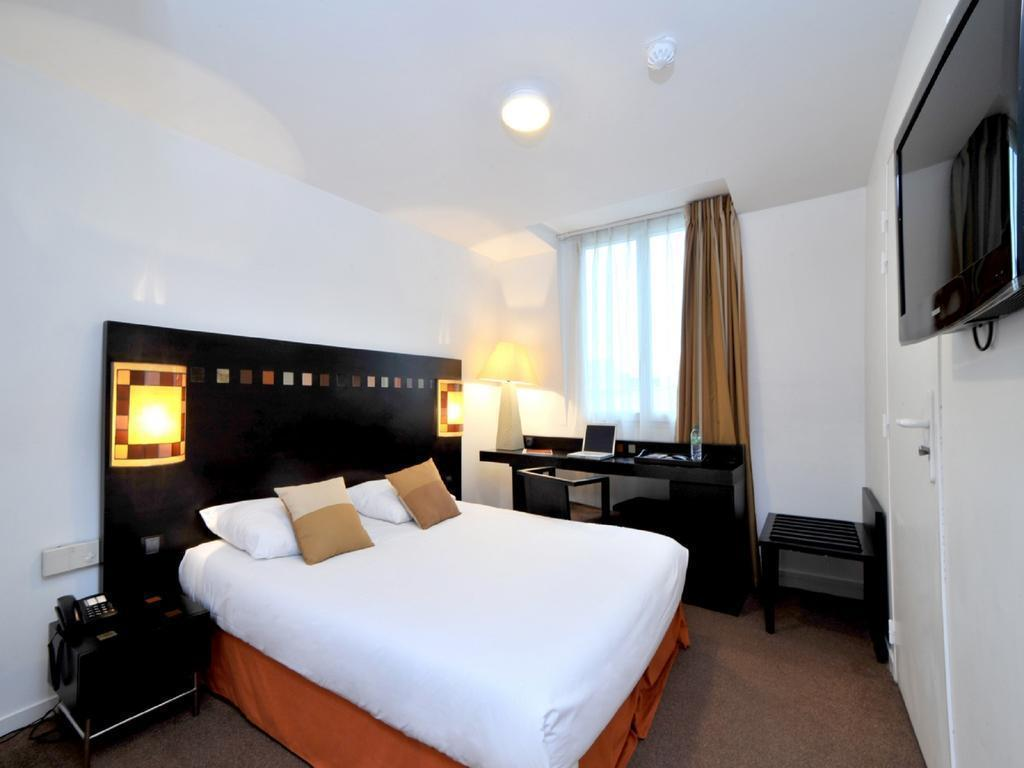 hotel saint maur creteil in saint maur des fosses room deals photos reviews. Black Bedroom Furniture Sets. Home Design Ideas