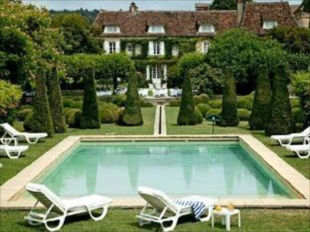 Swimming pool Le Vieux Logis