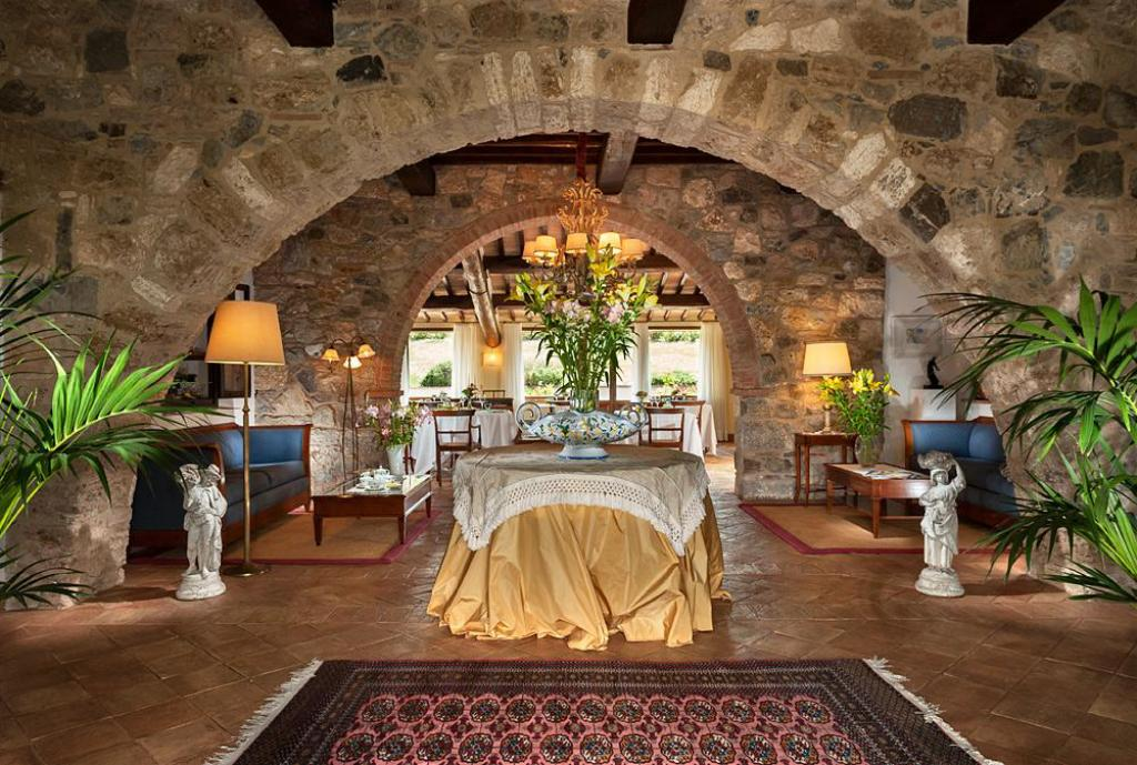 Hall Osteria Dell'Orcia Relais