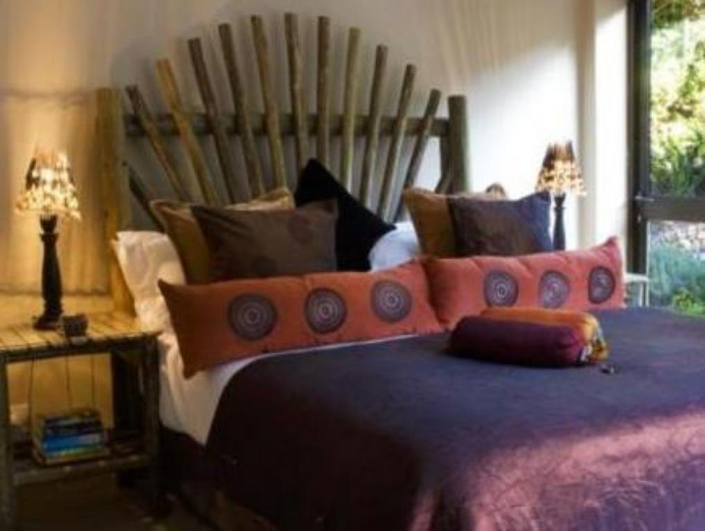 Mountain Facing Double Room - Ágy Whale View Manor Guesthouse
