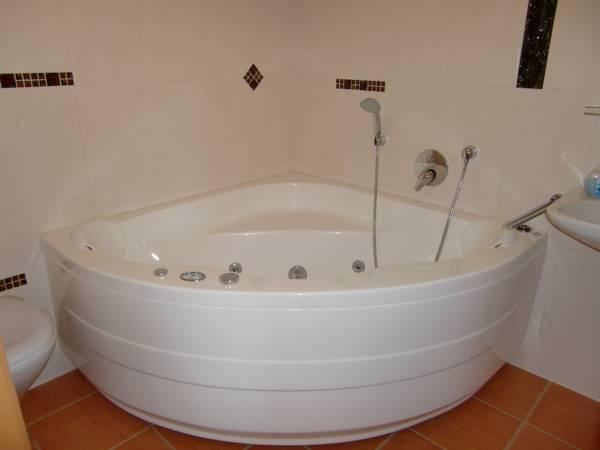 Quarto Duplo com Banheira de Hidromassagem (Double Room with Spa Bath)