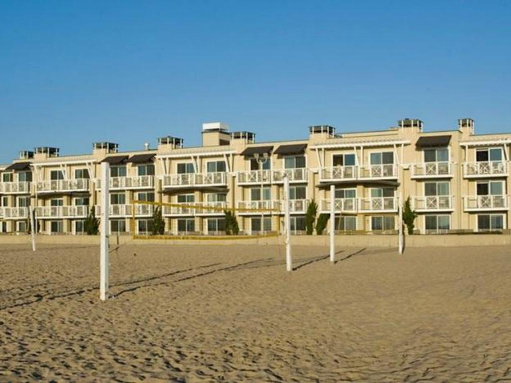 Best price on the beach house hotel hermosa in los angeles for House prices in los angeles ca